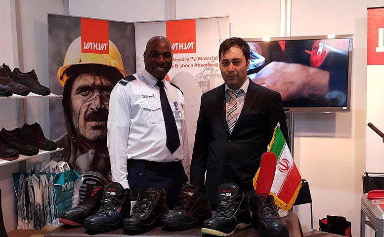 مدیرعامل کفش یحیی یوسف صدیقی کارافرین نمونه شد.