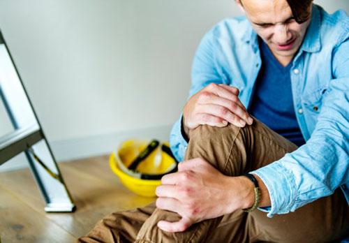 کاهش درد پا با انتخاب کفش ایمنی استاندارد